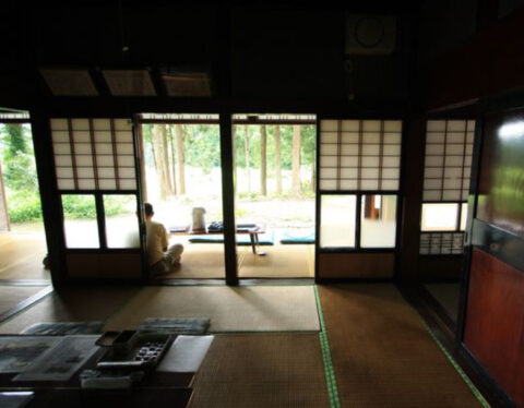 おおかみこどもの雨と雪の聖地紹介!花の家や学校は富山県上市町に実在?